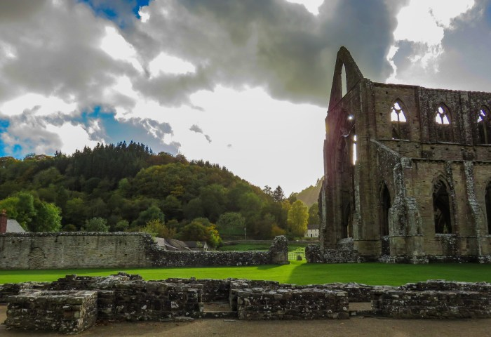 image of the hills of the wye valley and tintern abbey