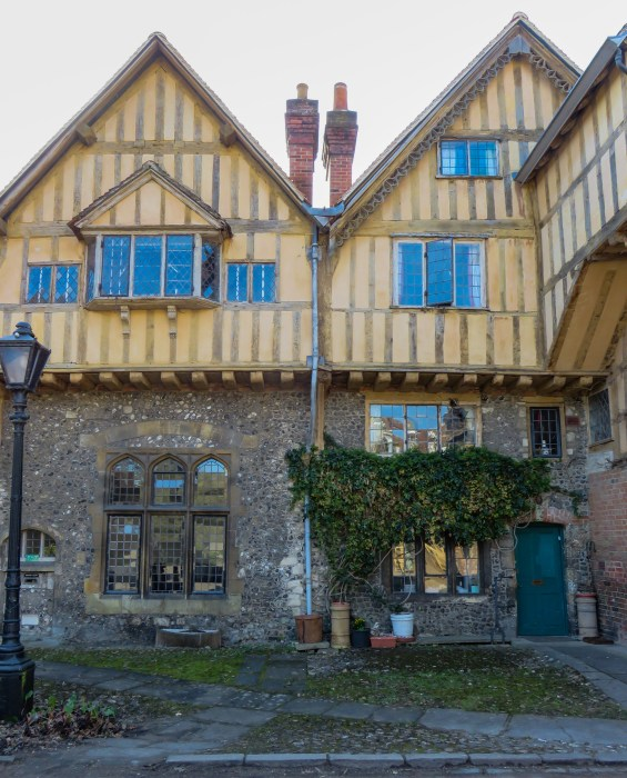 cheyney court winchester cathedral close