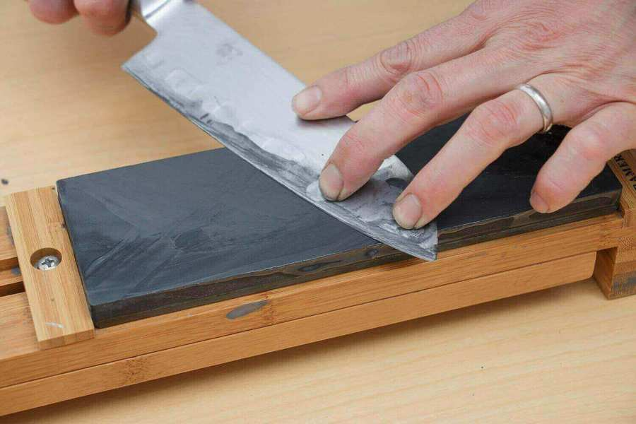 best way to sharpen knives