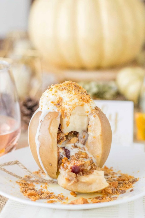 Slow Cooker Butterfinger Stuffed Apples - Strawberry Blondie Kitchen - HMLP 162 Feature
