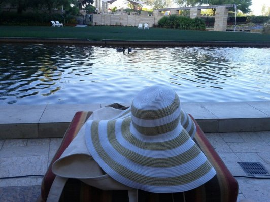Merona white gold trim floppy hat