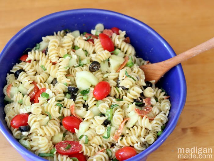 tomato-cucumber-garden-pasta-salad-recipe-idea