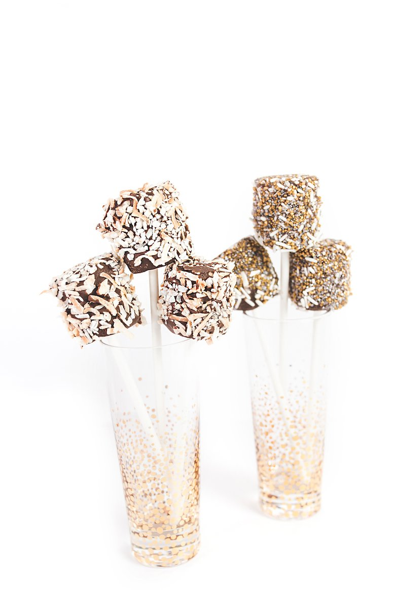 oscar party ideas gold confetti classes to decorate. Click to view even more gold and glam oscar party ideas