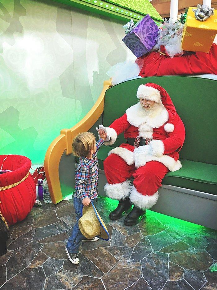 high five santa HGTV SantaHQ