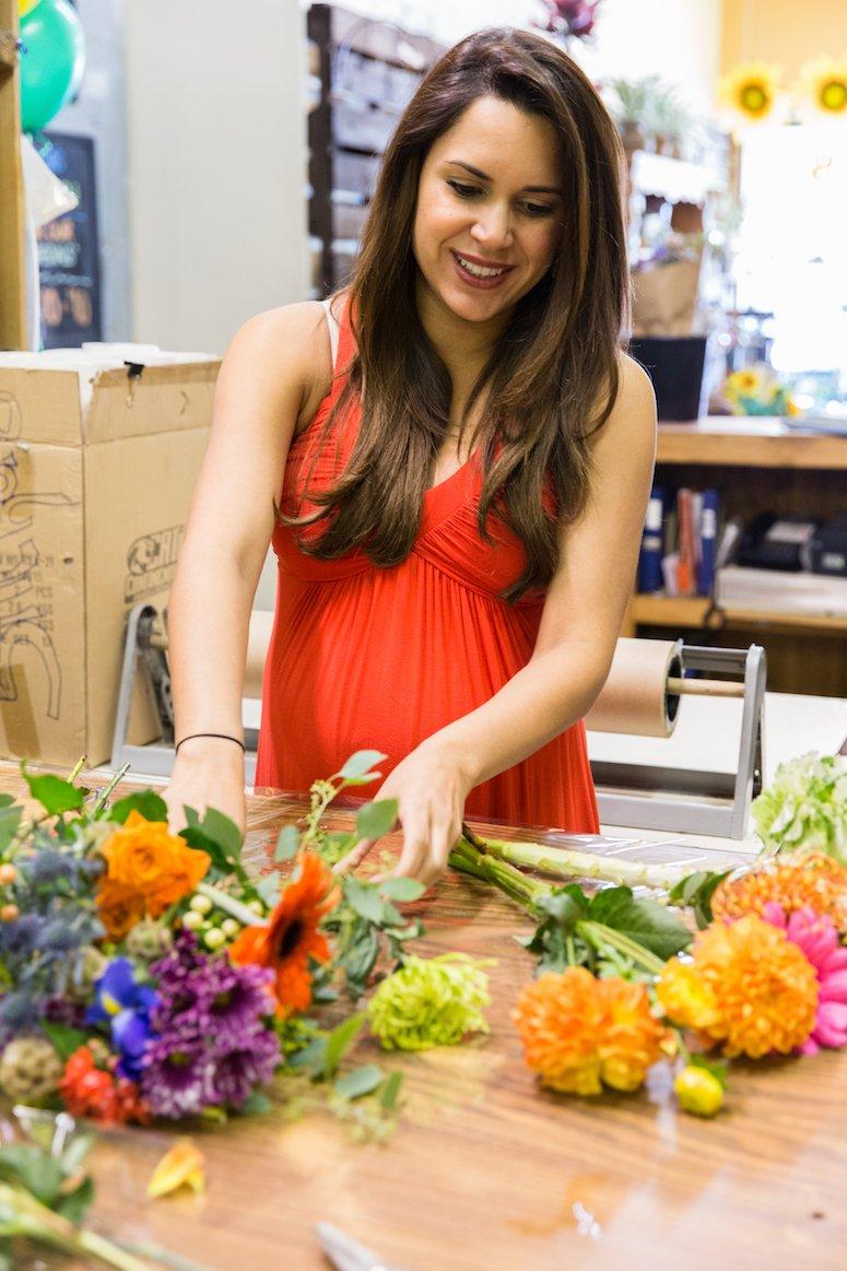 how to arrange fresh cut flowers and how to make your flowers last longer Click to read these tips from a florist!