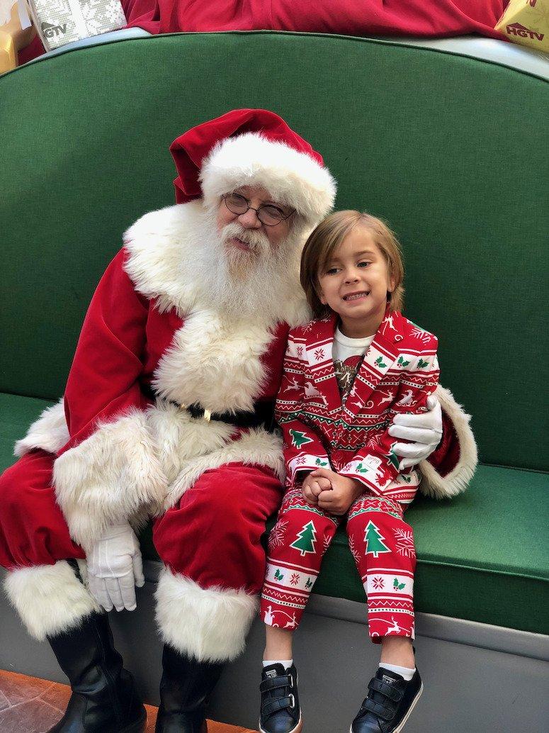 HGTV Santa HQ Scottsdale Fashion Square Christmas photos