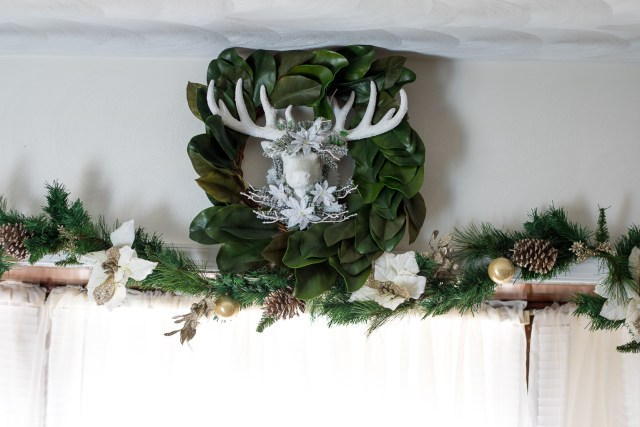 Deer Head Wreath (1 of 1)