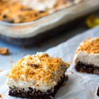 Loaded BUTTERFINGER® Dark Brownies