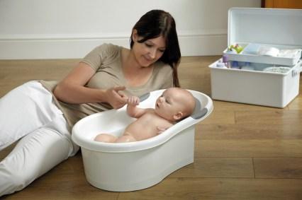 BM3_Mini_Bath_3-4_White-Grey_Lifestyle