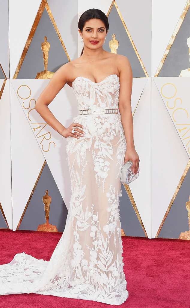LXP - Lifexpe - Priyanka Chopra at the Oscars Elegant Gala Dress