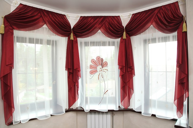 LXP - Things to Consider While Selecting Classic Red Curtains