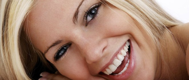 LXP Lifexpe Life Experiences teeth care dental veneers beautiful blond woman smiling smile