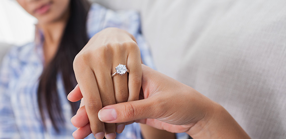 6 Ways to Make Your Diamond Wedding Ring Look Bigger