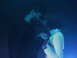 R3hab Ella Vos Exhal couple holding hands in the dark LXP Lifexpe