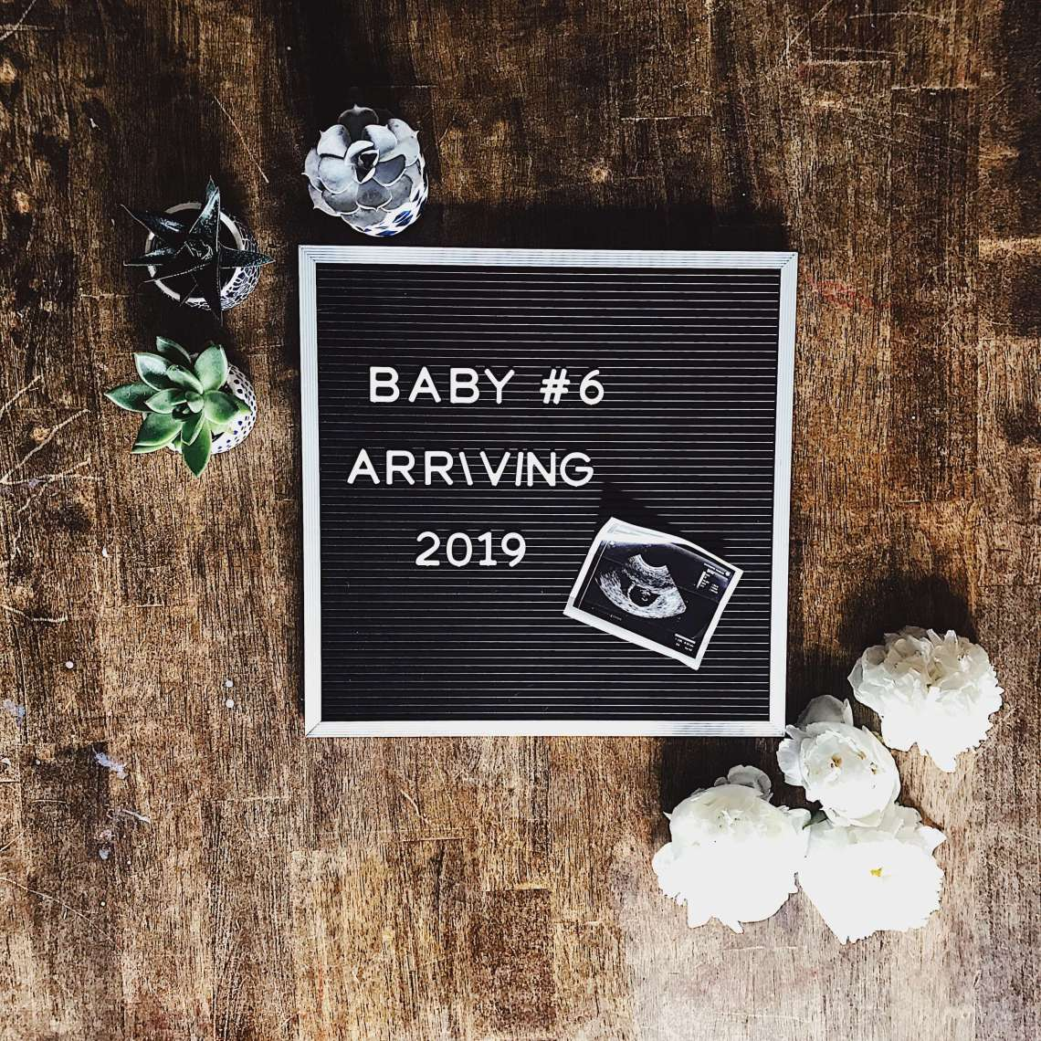 pregnancy letter board announcement