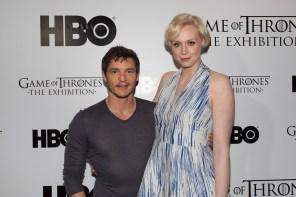 Os intérpretes de Oberyn e Brienne em pose oficial da HBO