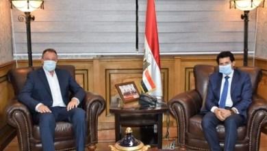 صورة وزير الرياضة يجتمع مع رئيس النادى الأهلى