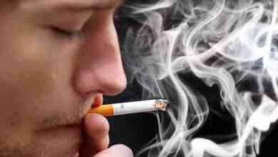 صورة قاضٍ إسباني ألغى الاستخدام الإلزامي للماسك  وعدم التدخين بدون مسافة بمدينة الكزار دي سان خوان علي بعد  150 من مدريد