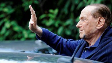 صورة الكورونا لن ترحم سيلفيو برلسكوني رئيس الوزراء الإيطالي السابق مصاب بفيروس كورونا بعد رحلة إلى سردينيا