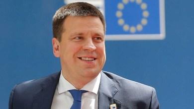 صورة رئيس وزراء إستونيا يستقيل بسبب فضيحة فساد ويحمل نفسه المسؤلية