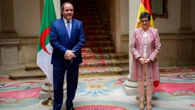 صورة وزيرة الشؤون الخارجية والاتحاد الأوروبي والتعاون الإسبانية  تستقبل وزير خارجية الجزائر