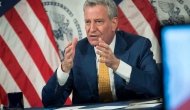 صورة الحزب الديمقراطي في نيويورك يعلن عن خطة للتراجع عن إرث ممارسات الشرطة العنصرية