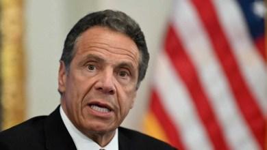 صورة حاكم نيويورك الديمقراطي يرفض الاستقالة على الرغم من الضغوط المتزايدة داخل حزبه بعد مزاعم بالتحرش الجنسي