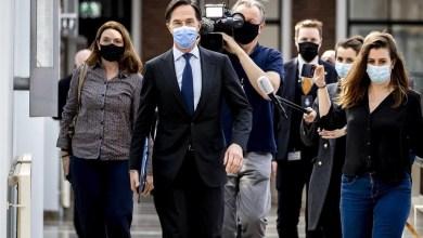صورة أعلن القائم بأعمال رئيس وزراء هولندا مارك روت أنه لا ينوي الاستقالة وأنه سيسعى لاستعادة الثقة المتضررة