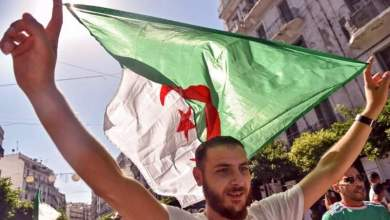 صورة الجائحة والحراك يفاقمان أزمة المعيشة في الجزائر