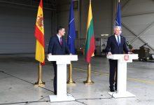 صورة رئيس الوزراء الإسباني يزور ليتوانيا الوجهة الأخيرة في رحلة تستغرق ثلاثة أيام إلى دول البلطيق