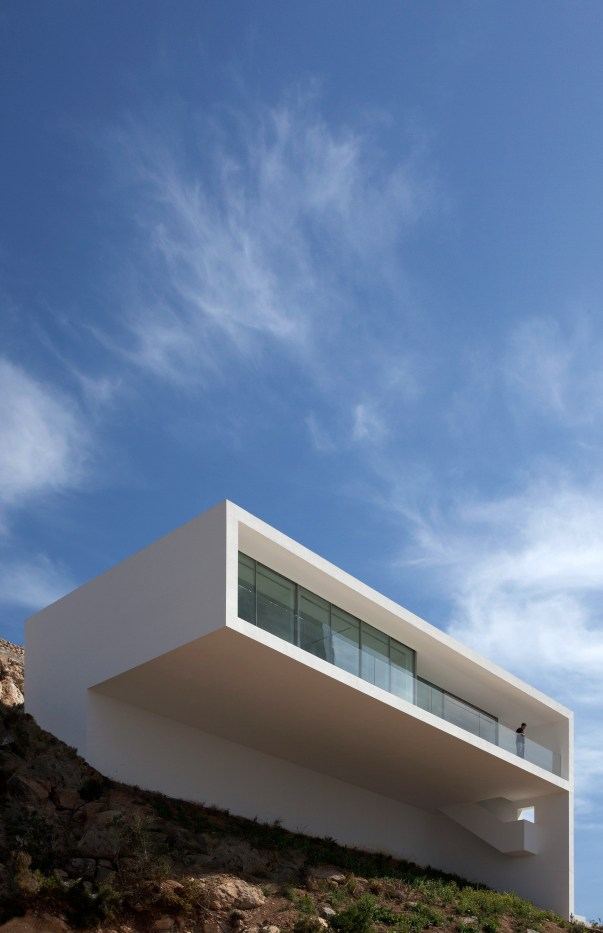 House on the Cliff - Fran Silvestre Arquitectos (16)
