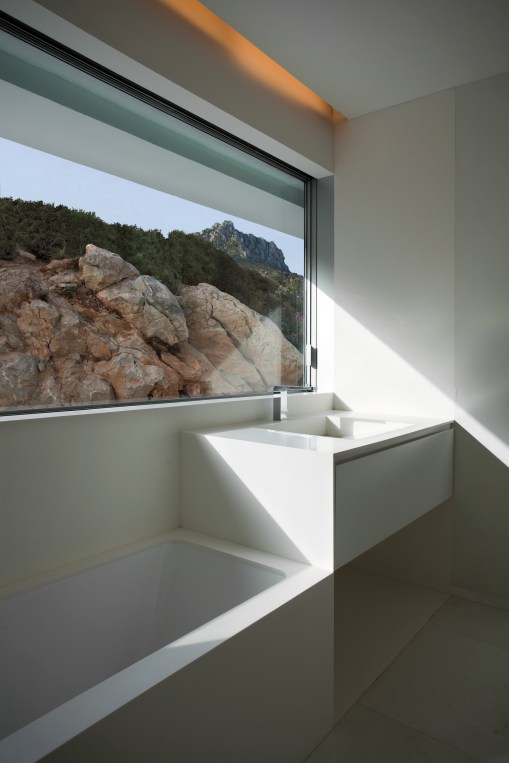 House on the Cliff - Fran Silvestre Arquitectos (26)