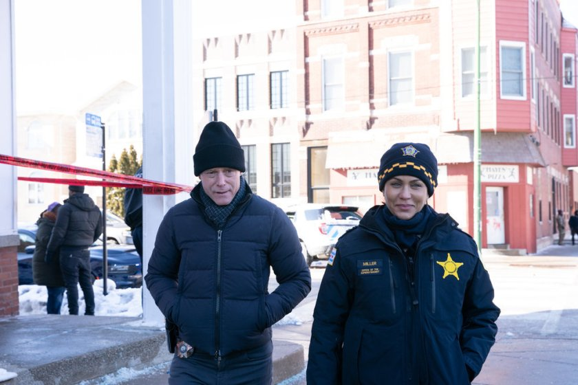 "CHICAGO P.D. -- ""Impossible Dream"" Episode 809 -- Pictured: (l-r) Jason Beghe as Hank Voight, Nicole Ari Parker as Samantha Miller -- (Photo by: Sandy Morris/NBC)"