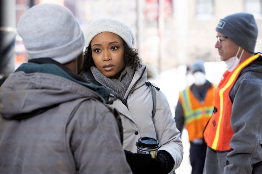 """CHICAGO MED -- """"So Many Things We've Kept Buried"""" Episode 610 -- Pictured: Yaya DaCosta as April Sexton -- (Photo by: Adrian S. Burrows Sr./NBC)"""
