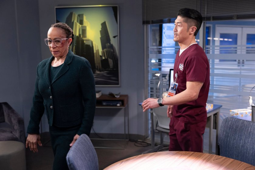 CHICAGO MED -- Episode 613 -- Pictured: (l-r) S. Epatha Merkerson as Sharon Goodwin, Brian Tee as Ethan Choi -- (Photo by: Adrian S Burrows Sr./NBC)