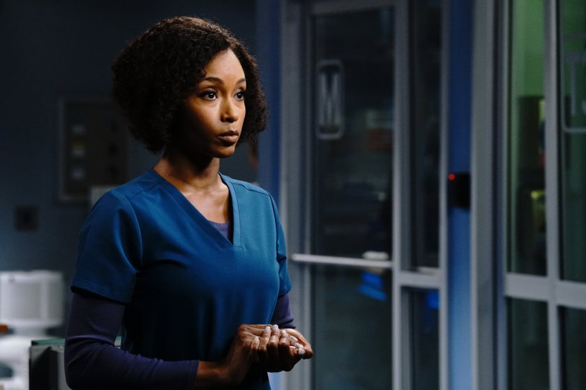 """CHICAGO MED -- """"Stories, Secrets, Half Truth and Lies"""" Episode 615 -- Pictured: Yaya DaCosta as April Sexton -- (Photo by: Elizabeth Sisson/NBC)"""