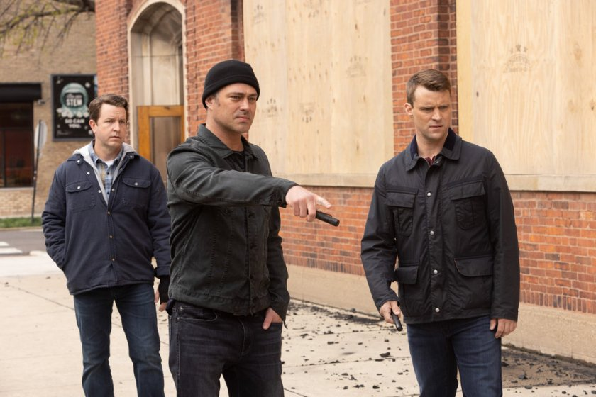 """CHICAGO FIRE -- """"What Comes Next"""" Episode 914 -- Pictured: (l-r) Taylor Kinney as Kelly Severide, Jesse Spencer as Matthew Casey -- (Photo by: Adrian S. Burrows Sr./NBC)"""
