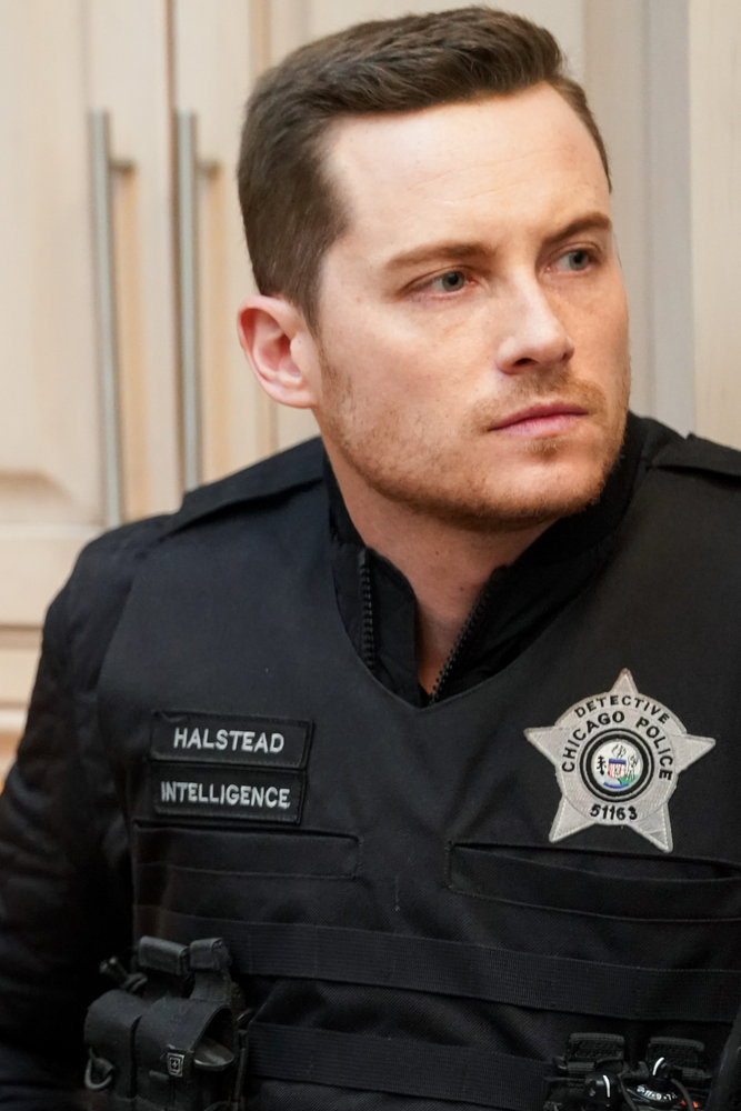 """CHICAGO P.D. -- """"Safe"""" Episode 814 -- Pictured: Jesse Lee Soffer as Jay Halstead -- (Photo by: Lori Allen/NBC)"""