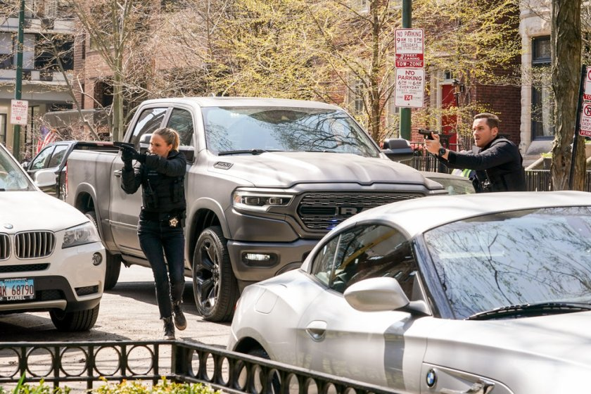 """CHICAGO P.D. -- """"Safe"""" Episode 814 -- Pictured: (l-r) Tracy Spiridakos as Hailey Upton, Jesse Lee Soffer as Jay Halstead -- (Photo by: Lori Allen/NBC), Jesse Lee Soffer as Jay Halstead"""