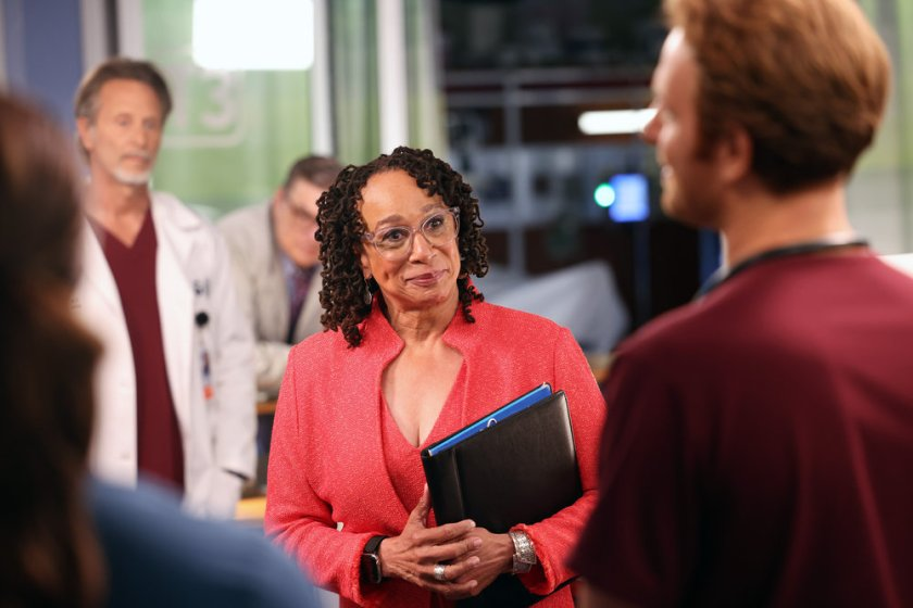 """CHICAGO MED -- """"You Can't Always Trust What You See"""" Episode 701 -- Pictured: (l-r) S. Epatha Merkerson as Sharon Goodwin -- (Photo by: George Burns Jr/NBC)"""