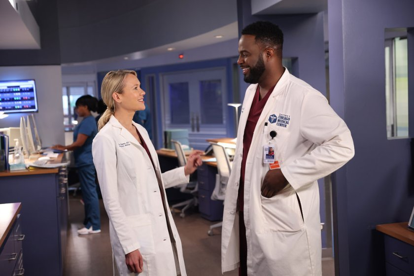 """CHICAGO MED -- """"You Can't Always Trust What You See"""" Episode 701 -- Pictured: (l-r) Kristin Hager as Dr. Stevie Hammer, Guy Lockard as Dr. Dylan Scott -- (Photo by: George Burns Jr/NBC)"""