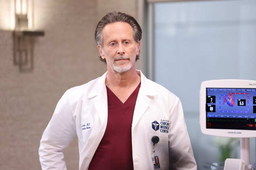 """CHICAGO MED -- """"Status Quo, aka The Mess We're In"""" Episode 704 -- Pictured: Steven Weber as Dr. Dean Archer -- (Photo by: George Burns Jr/NBC)"""