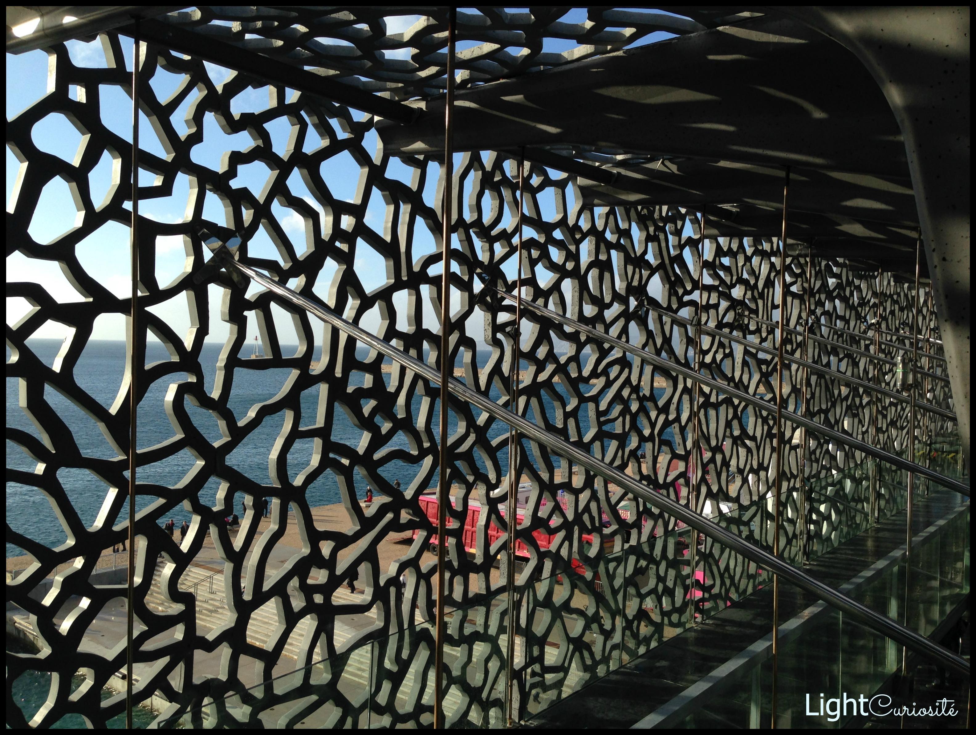 Architecture Light Curiosit