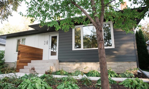 Winnipeg Hardie board with cedar partition