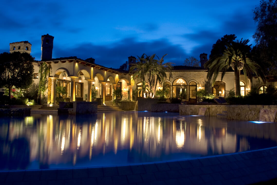 Outside Exterior Lighting in San Diego | Lighting Distinctions