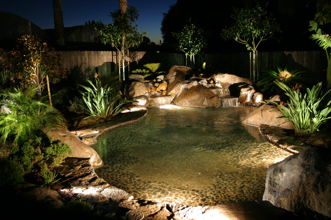 Underwater pool lighting surface feature