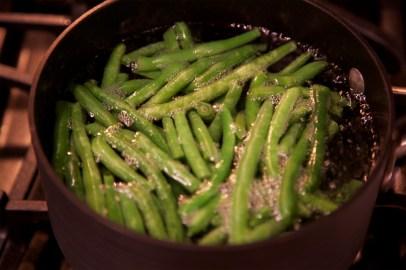 Step 4: Boil green beans