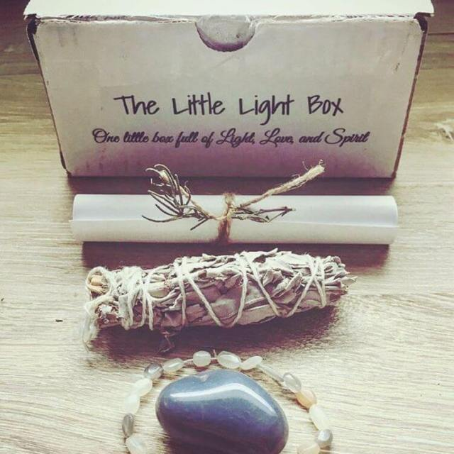 Have you been wondering what comes in the littlelightbox ?hellip
