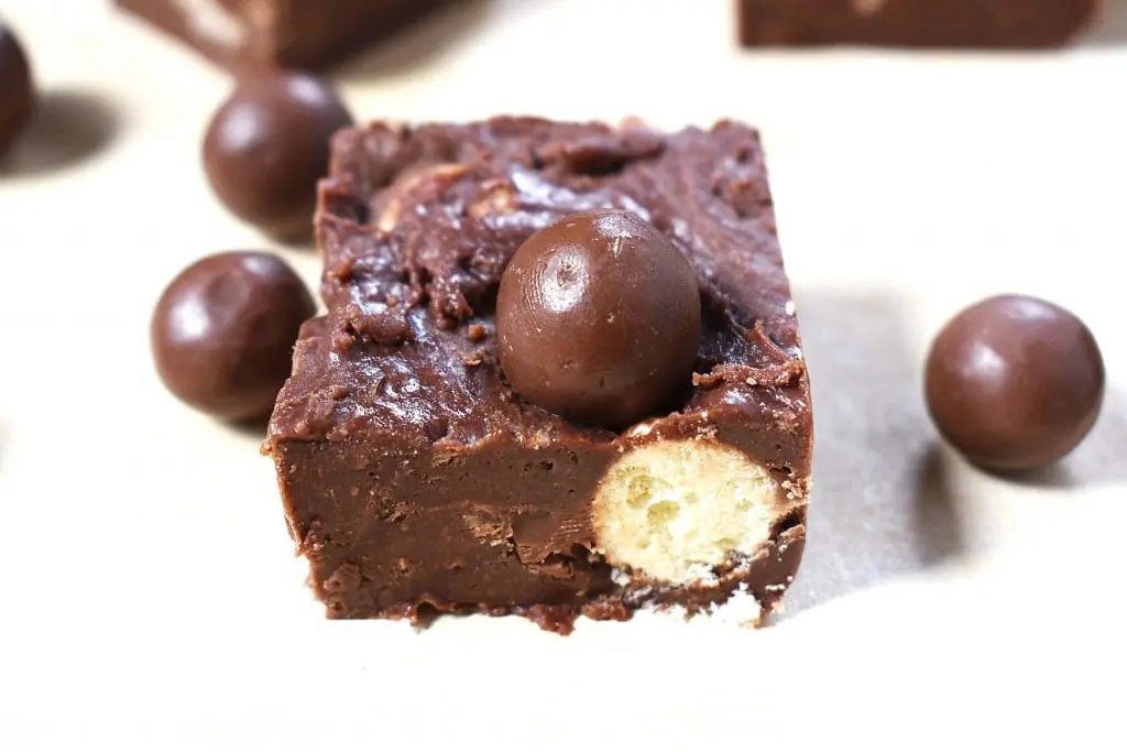Malteser Fudge (No Bake and Only Five Ingredients)