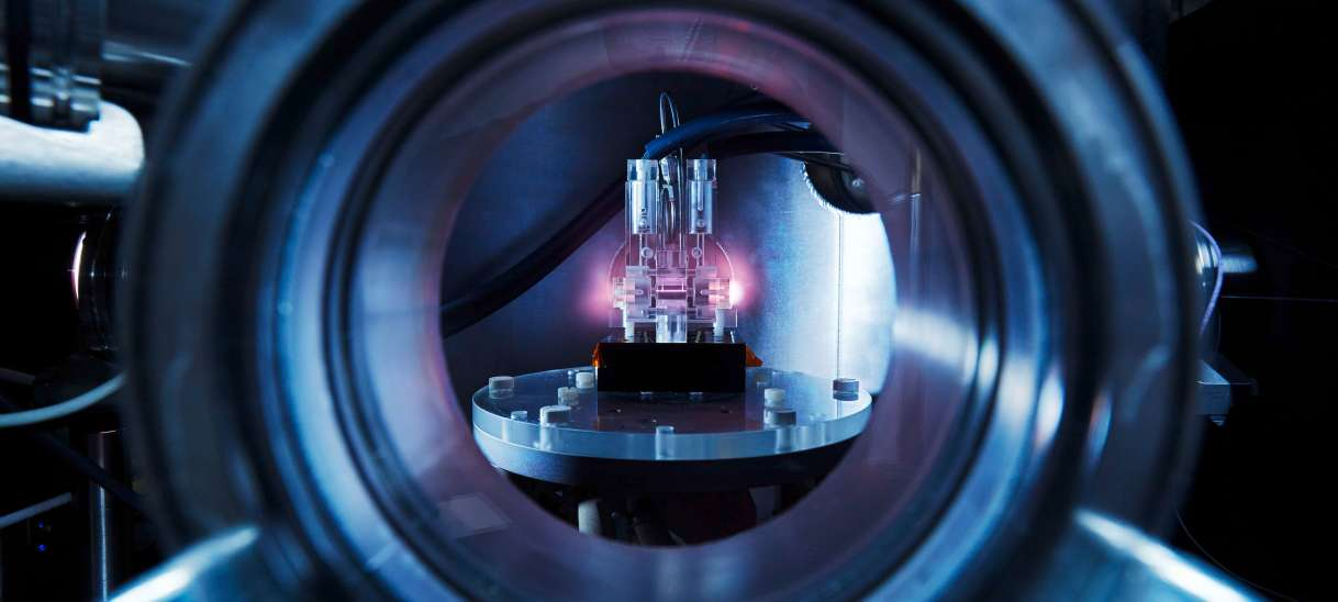 FLASHForward accelerates first electron bunches